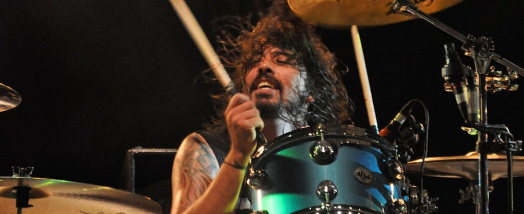 Dave Grohl Lick